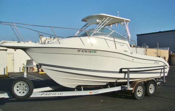 1998 Seaswirl 2300WA Striper IO