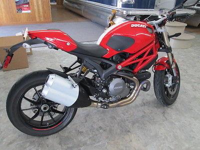 Ducati : Monster DUCATI 1100 Monster evo
