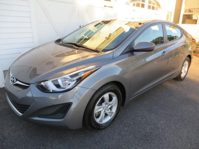 Hyundai : Elantra SE Excellent condition FWD Low miles Great gas mileage Factory warranty
