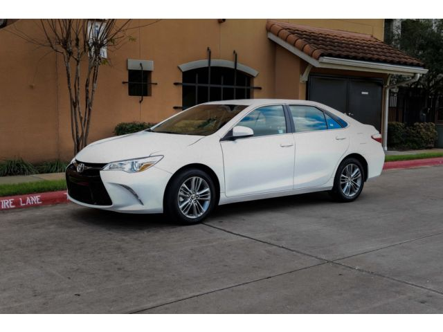 Toyota : Camry SE 2015 toyota camry se 21 k miles moles clean