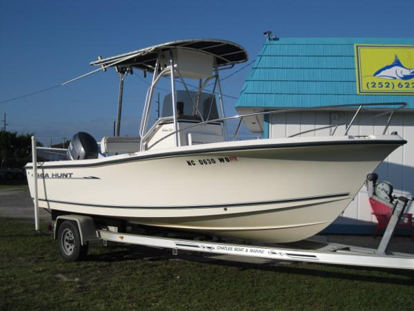2003 Sea Hunt Triton 202 CC