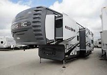2014 Jayco Seismic 3812 fifth wheel toy hauler