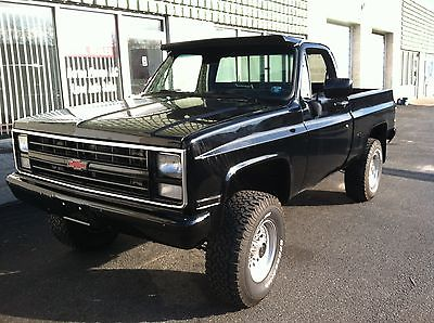 Chevrolet : C/K Pickup 1500 FLEETSIDE NO RESERVE RESTORED CUSTOM LIFTED K10 SHORTBED SQUARE 4X4 V8 BLACK ON BLACK NR