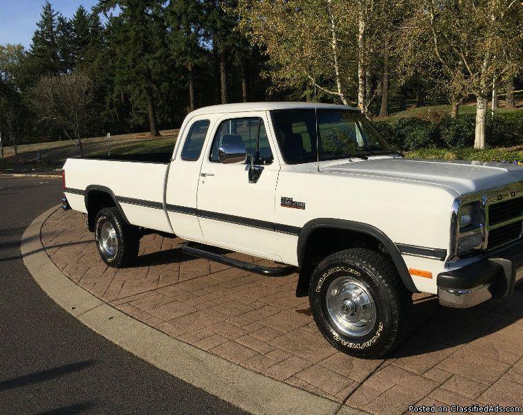 1993 Dodge Ram 2500 LE