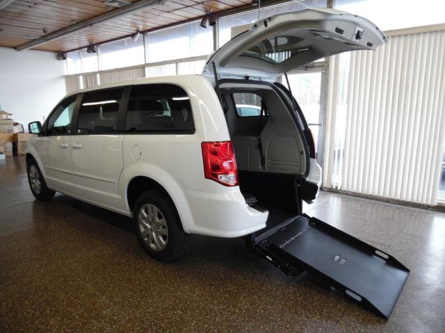 Dodge : Grand Caravan SE handicap Wheelchair Van BRAND NEW Handicap Accessible Van