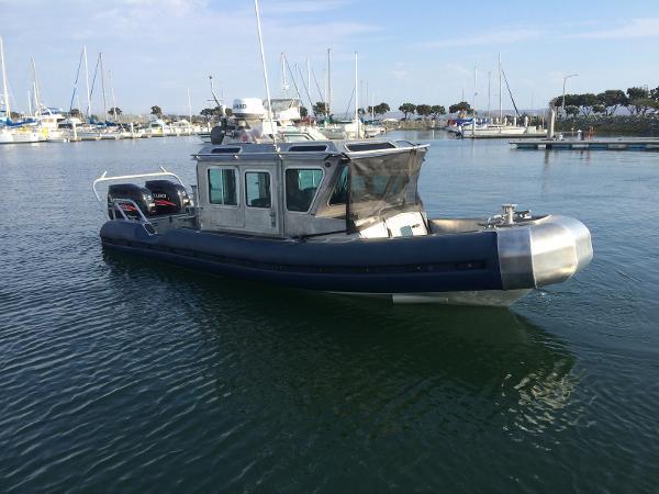 2004 SafeBoat 2004 SAFEBOAT DEFENDER 25'
