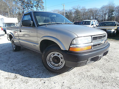 Chevrolet : Blazer 2002 Chevrolet S10 LS Pickup 2-Door GAS SAVING 2.2 2002 chevrolet s 10 ls pickup 2 door gas saving 2.2 l 5 speed manual low reserve