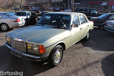 Mercedes-Benz : Other European Model 1981 mercedes benz 230 e sedan rare 4 cylinder 4 speed manual european model