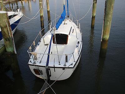 Com-Pac 19 Sailboat