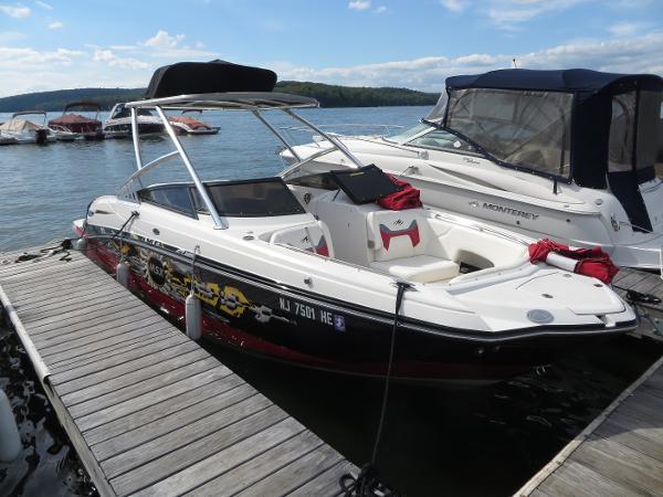 2012 Monterey M5 MSX Sport Boat
