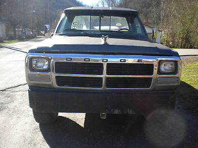 Dodge : Other Pickups Base Standard Cab Pickup 2-Door 1992 dodge w 150 4 x 4 long bed 318 auto parts or project truck