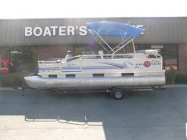 1999 Sun Tracker pontoon