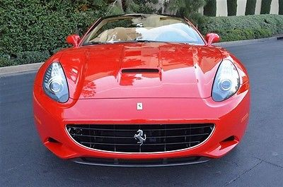 Ferrari : California Ferrari : California