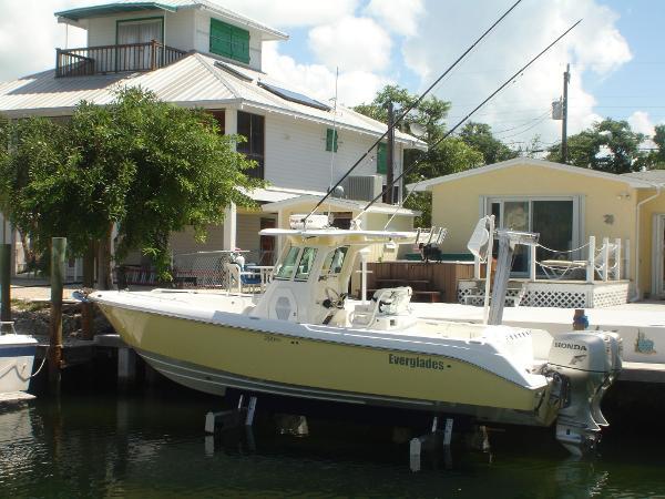 2007 Everglades 2900 CC