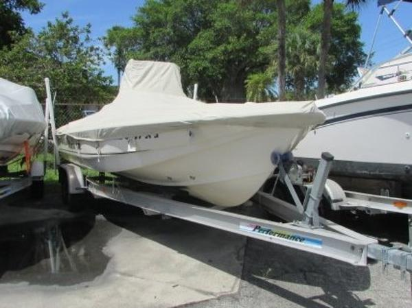 2002 Scout Boats 220 Bay Scout