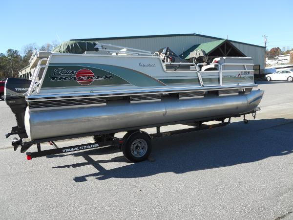1999 Sun Tracker Party Barge 21