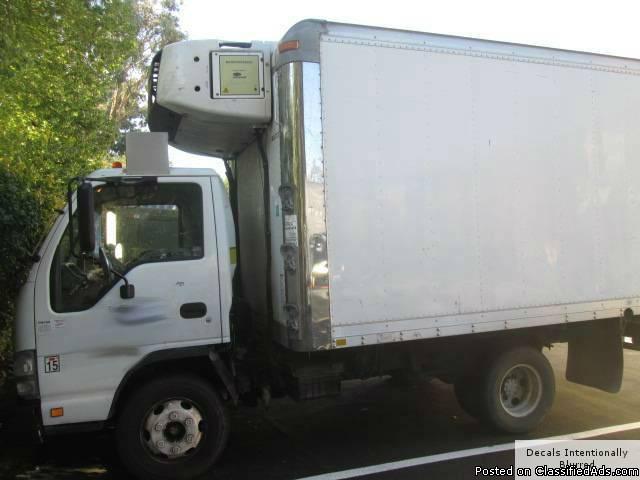 2007 Isuzu NPR 12' Refrigerated Box Truck - RTR# 5101158-01
