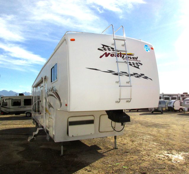2006 Holiday Rambler NEXT LEVEL 38cks