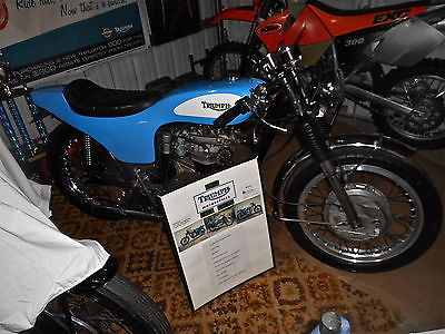 Triumph : Bonneville 1967 cafe racer tracy eliminator body hurricane style flattrack street tracker
