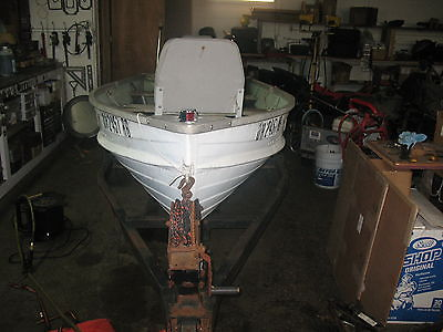 12 Ft STARCRAFT Aluminum Fishing Boat  4.5 HP Mercury Motor and electric motor