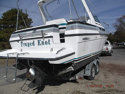 1989 Formula 29PC 27 pc damaged Project Clean Title Low Reserve 89 cruiser boat