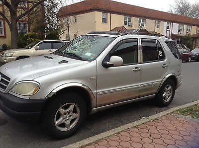 Mercedes-Benz : M-Class ml320 Used 2001 M/B ML320 195k miles great working condition