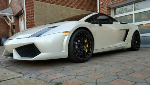 Lamborghini : Gallardo Lamborghini Gallardo Spyder 560-4 (2010) Pearl White in NYC