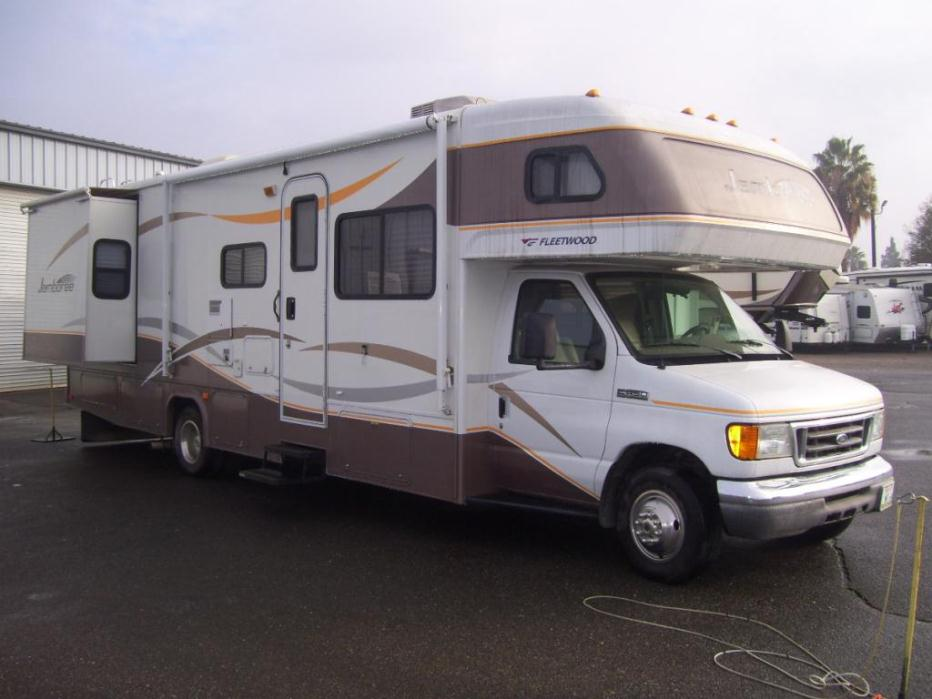 2015 Fleetwood Discovery 40G Bunk Model RV for Sale at