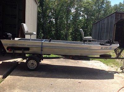 Aluminum traveler bass boat