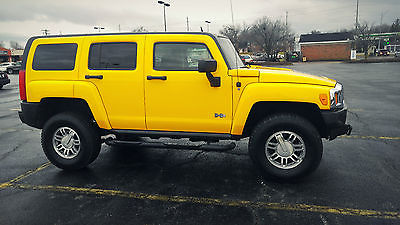 Hummer : H3 Adventure Sport Utility 4-Door Selling my 2006 Hummer H3. Beautiful yellow color, low mileage at only 83.xxx mi