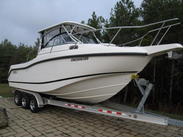 2010 Boston Whaler 255 Conquest