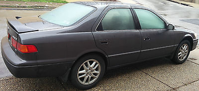 Toyota : Camry XLE 2000 toyota camry xle sedan 4 door 3.0 l leather moon sun roof v 6