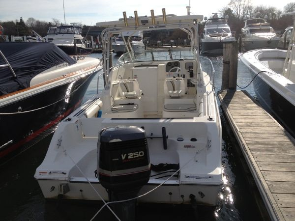 2004 Wellcraft 250 Coastal