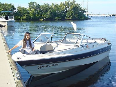 Bayliner 1996 Capri 1950  W/ Trailer