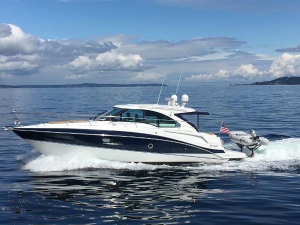 2014 Cruisers Yachts cantius