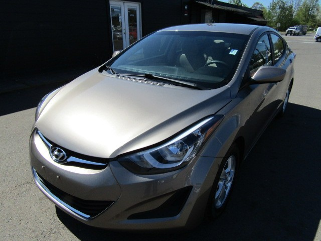 2014 Hyundai Elantra 4dr Sdn Auto SE 1 OWNER 39K LIKE NEW MUST SEE !!!