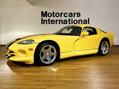 2001 Dodge Viper GTS  2001 dodge viper gts 1 owner with an incredibly low 1 632 miles