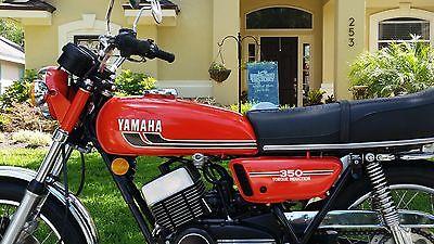 1975 Yamaha RD350  1975 Yamaha RD350