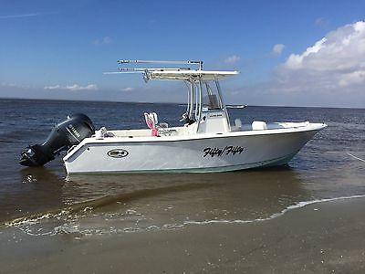 2016 Sea Hunt Ultra 225 center console boat