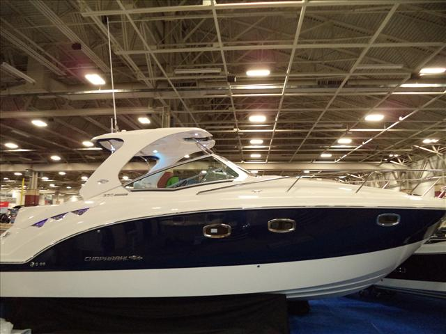 2017 Chaparral 330 Signature (INCOMING)