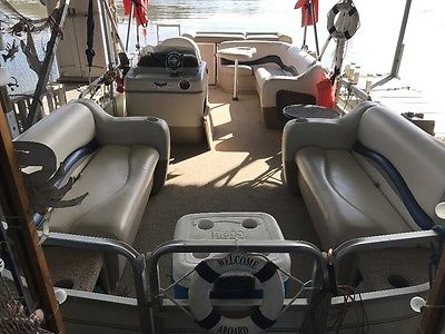 21' PONTOON PARTY BARGE SIGNATURE SERIES