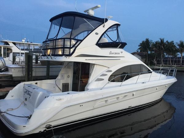 2005 Sea Ray 44 Sedan Bridge