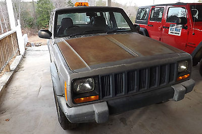 2000 Jeep Cherokee Sport  2000 Jeep Cherokee XJ RHD Right Hand Drive Postal Vehicle 4X4
