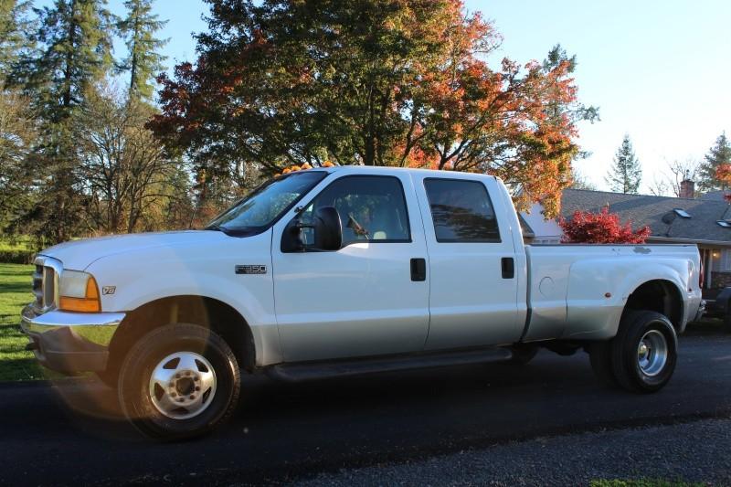 1999 Ford F-350 7.3 Powerstroke Diesel -- 6 Speed --DRW Crew Cab 4WD