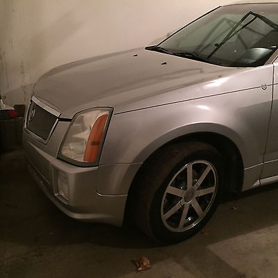 2004 Cadillac SRX  2004 CADILLAC SRX AWD 4.6 V8