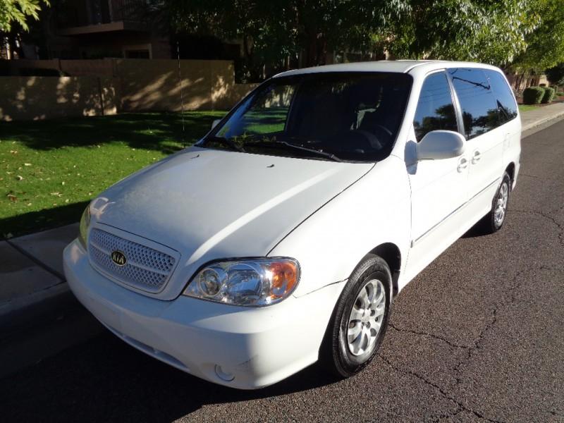 ** 2004 Kia Sedona LX Minivan * Clean title * Nice **