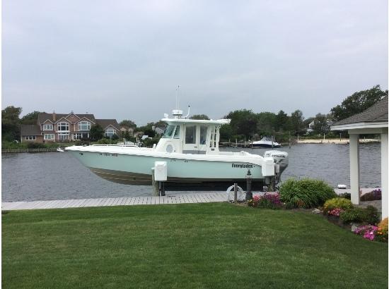 2005 Everglades Boats 290 Pilot