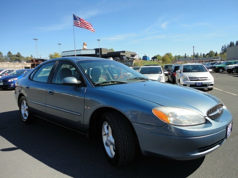 2001 Ford Taurus SE Low Miles! One Owner!