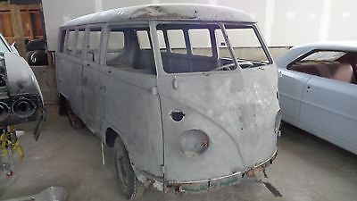 1965 Volkswagen Bus/Vanagon deluxe 1965 VW 13 window deluxe bus