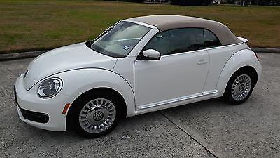 2013 Volkswagen Beetle-New 2-door convertible Fabulous Convertible VW Beetle Like New - (Spring, Texas)